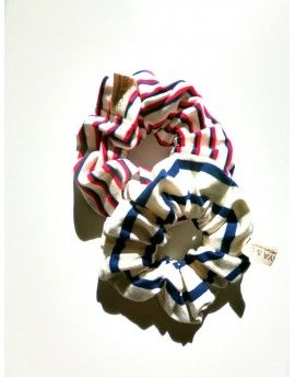 Pack two striped scrunchies